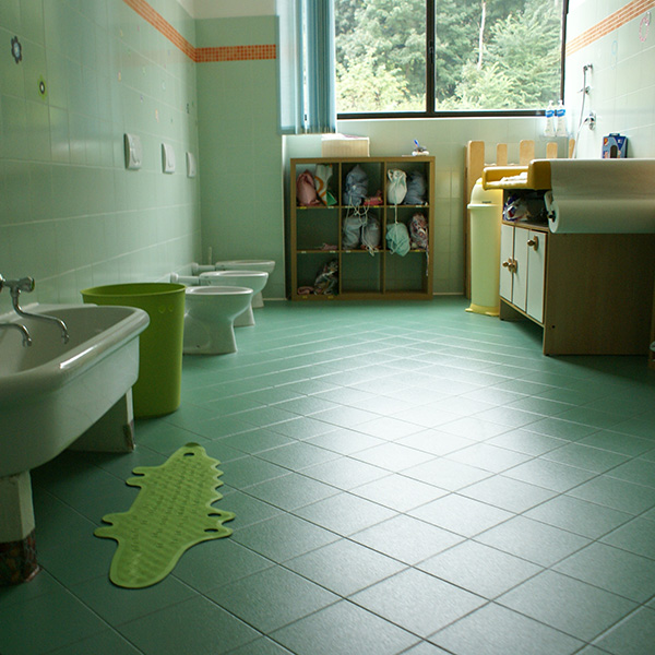 Servizi bagni toilette Asilo Nido Birimbao Torino
